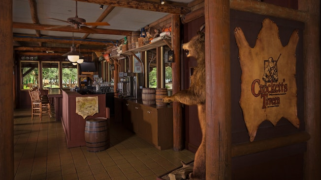 L'intérieur de la Crockett's Tavern à Disney's Fort Wilderness Resort