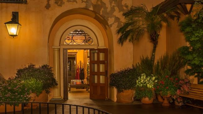 Porte avant de la boutique La Bottega Italiana dans le pavillon de l'Italie à Epcot