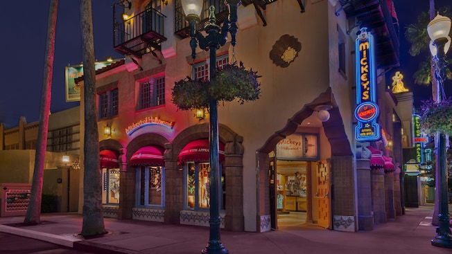 Exterior de la tienda Mickey's of Hollywood en Disney's Hollywood Studios
