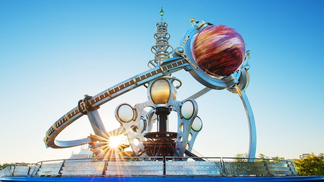 L'attraction futuriste Astro Orbiter