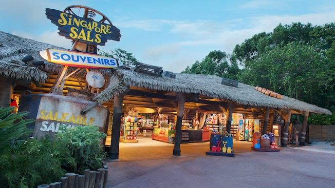 Boutique de souvenirs et d'articles divers Singapore Sals au parc aquatique Disney's Typhoon Lagoon