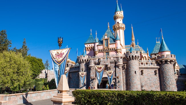 Sleeping Beauty Castle Walkthrough Rides Amp Attractions