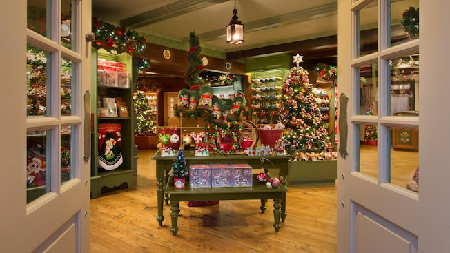 Ye olde christmas shoppe walt disney world resort for The christmas shop
