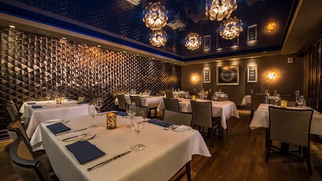Flying fish walt disney world resort for Go fish restaurant