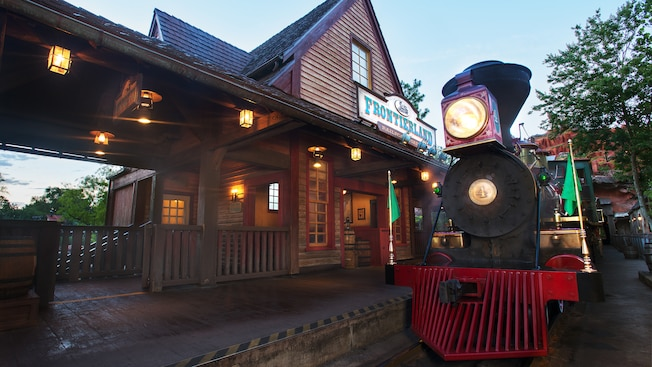 disney world frontierland walt railroad magic kingdom go attractions disneyworld resort