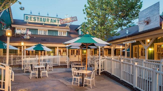 restaurantosaurus dining walt disney world resort