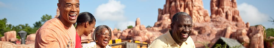 Família no Big Thunder Mountain Railroad no Magic Kingdom Park