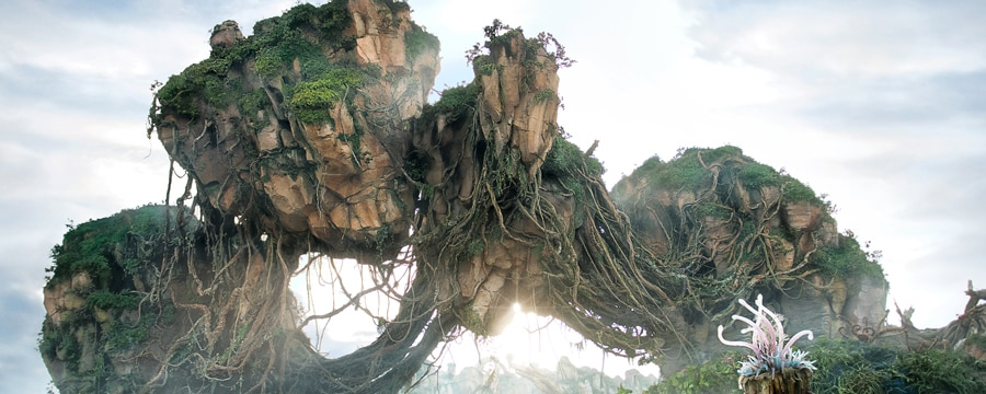 Exotic plants and magnificent floating mountains adorn the landscape of Pandora – The World of Avatar