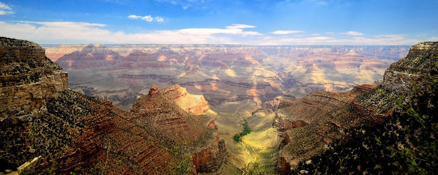 A sweeping view of the Grand Canyon's South Rim
