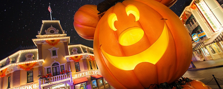 Mickey-inspired jack o' lantern decoration on Main Street, U.S.A.