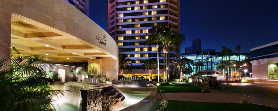 Anaheim marriott hotel good neighbor hotels disneyland resort
