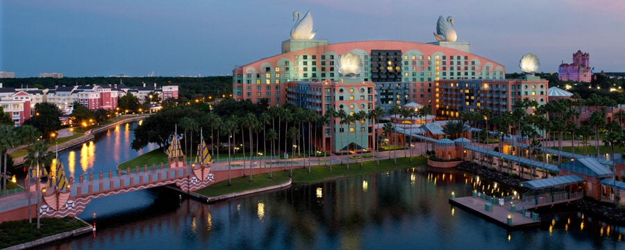 https://secure.parksandresorts.wdpromedia.com/resize/mwImage/1/900/360/90/wdpromedia.disney.go.com/media/wdpro-assets/places-to-stay/swan-resort/swan-resort-00-full.jpg?17122012123231