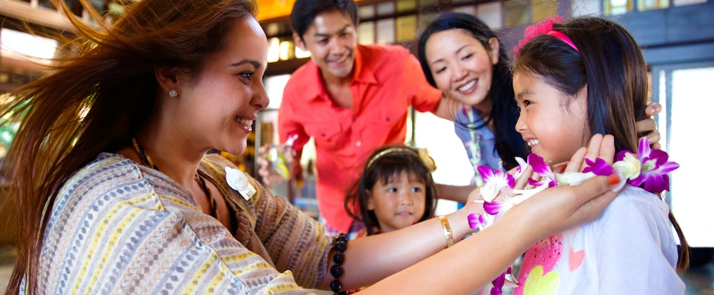 Vacation Packages Special Offers Aulani Hawaii Resort Spa - Disney family packages